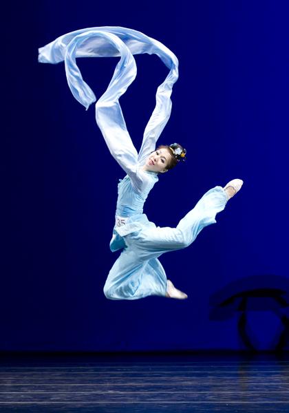 第四届中国古典舞大赛 纯正技高意雅韵美
