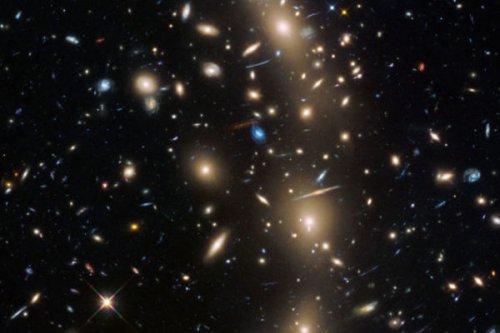 已知宇宙2万亿星系  九成人类看不到