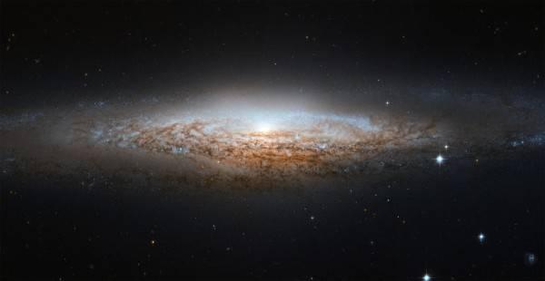 权威期刊《天体物理学杂志》 银河系至少36个智慧文明