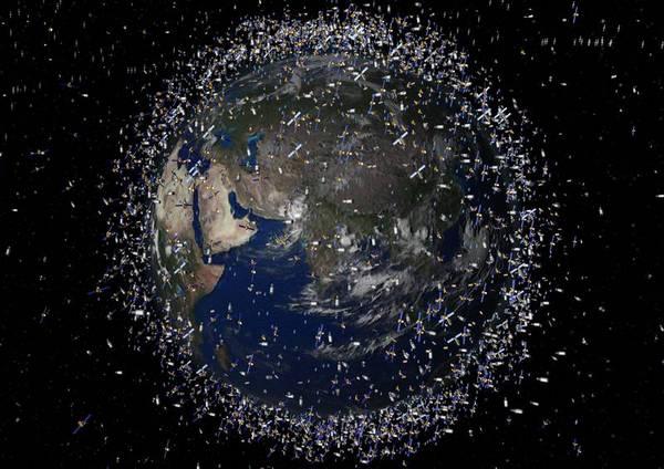 包围地球的太空垃圾(图、视频)